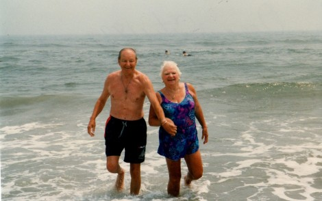 Grandmom_Pop_Beach001 (2)